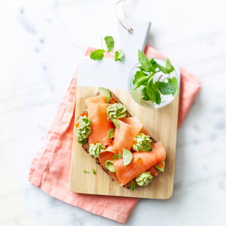 recette tartine de saumon fumé et avocat menthe