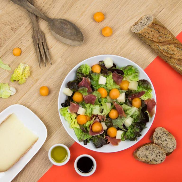 recette salade melon, fromage de brebis et jambon
